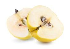 2 половины яблока изолированной на белой предпосылке Стоковые Фотографии RF
