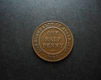 Половин монеток Пенни винтажных австралийских обратный Стоковые Фото