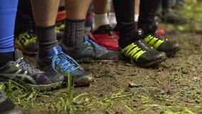 Подогрев бегунов перед началом гонки акции видеоматериалы