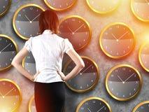 Положение бизнесмена - принципиальная схема стратегии времени Стоковые Изображения RF