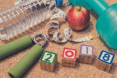 Положение плоское - счастливый Новый Год 2018 Фитнес & здоровая концепция еды Стоковые Фото