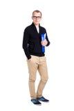 Положение студента или работника офиса молодого человека изолированное на белизне Стоковые Фотографии RF