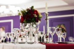 Положенная таблица в ресторане Стоковые Изображения
