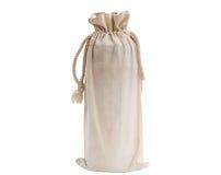 Положите в мешки для бутылки питьевой воды изолированной на белой предпосылке Стоковые Изображения
