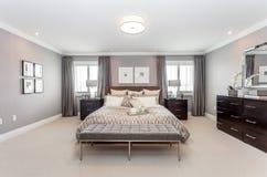 Положите комнату в постель Стоковое фото RF