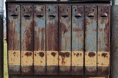 положите письмо в коробку старое Стоковые Изображения RF