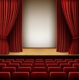 положите черный шлем в мешки девушки ее играя театр этапа места роли малый Стоковые Изображения