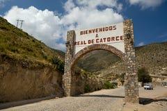 Положительный знак Реальн de Catorce стоковое изображение rf