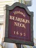 Положительный знак шеи Bearskin стоковое изображение rf