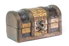положите ювелирные изделия в коробку деревянные Стоковое Фото