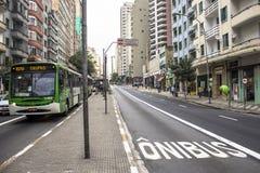 Полоса для движения автобусов Стоковые Фото