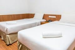 Полотенца на кровати Стоковая Фотография RF
