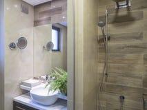 полотенце интерьера шара ванной комнаты Стоковое фото RF