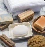 полотенце спы мыла соли деталей ванны голубое Стоковое фото RF