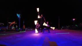 Под открытым небом выставка огня на ноче акции видеоматериалы