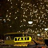 подпишите таксомотор Стоковые Фотографии RF