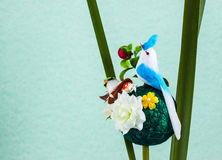 Подрожательная птица с гнездем Стоковые Фотографии RF