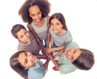 подростковое друзей счастливое Стоковые Изображения