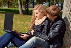 Подростковые пары Стоковое Фото