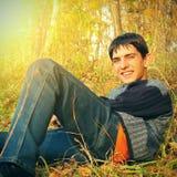 Подросток в лесе осени Стоковое фото RF