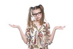 Подросток девушки бросает вверх ее руки Стоковая Фотография RF