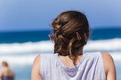 Подросток девушки пляжа стоковое изображение rf