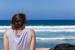 Подросток девушки пляжа стоковое изображение