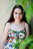 Подросток ослабленный outdoors стоковое фото