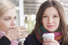 Подруги и кофе Стоковые Фото