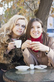 Подруги и кофе Стоковое Фото