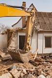 Подрывание жилого дома стоковые изображения rf