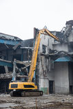 Подрывание старого здания фабрики - Польша Стоковая Фотография