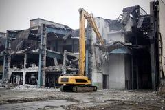 Подрывание старого здания фабрики - Польша Стоковое Изображение
