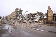 Подрывание старого здания фабрики Стоковое Изображение