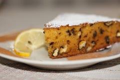 Подсказка куска пирога грецкого ореха тыквы Стоковое фото RF