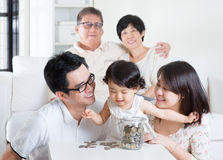 подсчитывать монеток Стоковое Фото