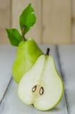 Полтора зеленых груш Стоковое Фото