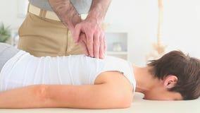 получать женщину массажа сток-видео