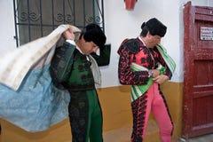 Получать Bullfighters одел для paseillo или начального парада Стоковое Изображение