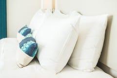 Подушка на кровати Стоковое Фото