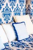 Подушка на софе и стуле Стоковая Фотография