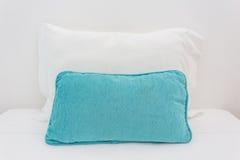 2 подушки на кровати Стоковое Изображение RF