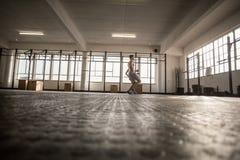 2 подходящих люд делая фитнес Стоковое Изображение