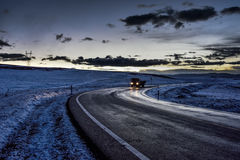 Подъездная дорога плато на сумраке Стоковые Изображения RF