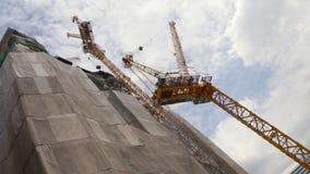 подъем конструкции здания высокий видеоматериал