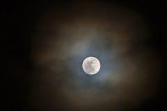 Подъем полнолуния луны снега Стоковое фото RF