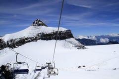 Подъем лыжи или кабели лыжи Стоковое Изображение