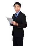 Польза бизнесмена с таблеткой Стоковые Изображения RF