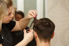 Польза фена для волос стоковое изображение rf