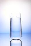 2/3 польностью выпивая стекел с отражением Стоковое Изображение RF